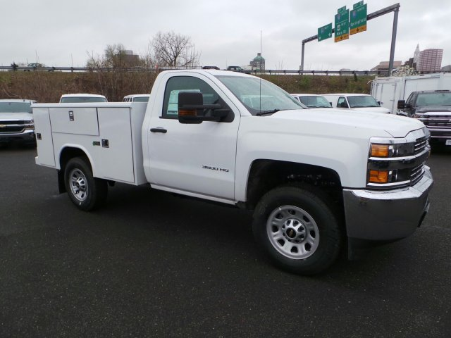 2017 Silverado 3500 Regular Cab 4x4, Service Body #C256247 - photo 3