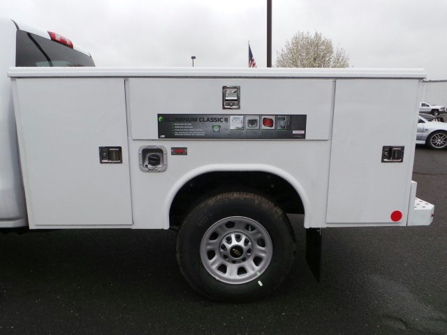 2017 Silverado 3500 Regular Cab 4x4, Service Body #C256247 - photo 5