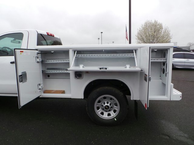2017 Silverado 3500 Regular Cab 4x4, Service Body #C256247 - photo 6