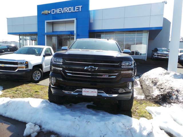 2017 Silverado 1500 Crew Cab 4x4, Pickup #C305374 - photo 2