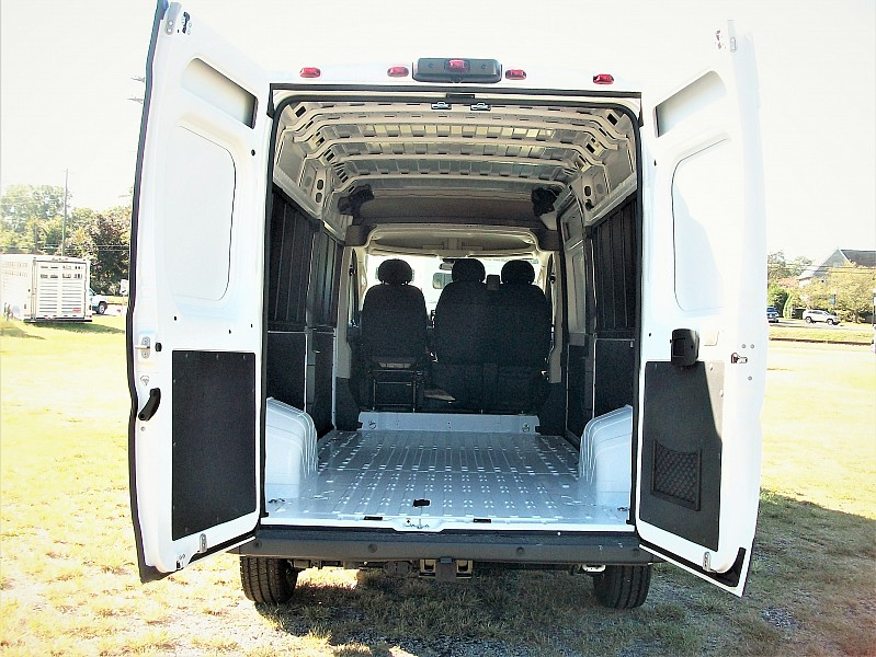 2018 ProMaster 2500 High Roof 4x2,  Empty Cargo Van #101186 - photo 2