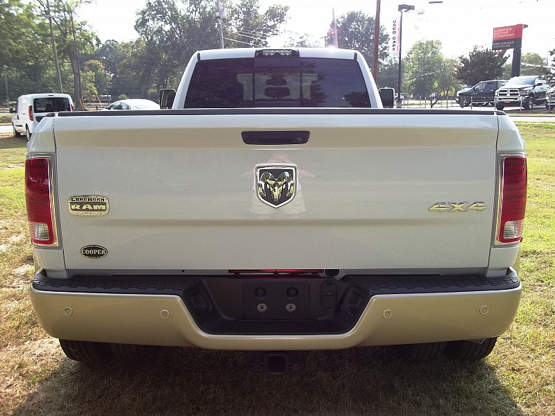 2016 Ram 3500 Crew Cab DRW 4x4, Pickup #116155 - photo 11