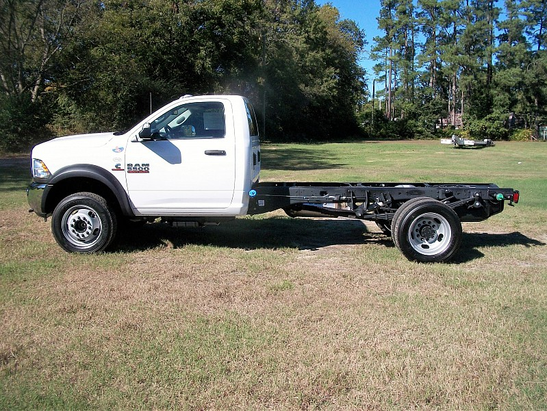 2018 Ram 5500 Regular Cab DRW Cab Chassis #122506 - photo 10