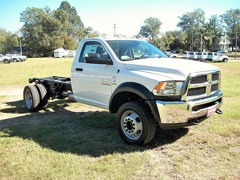 2018 Ram 5500 Regular Cab DRW Cab Chassis #122506 - photo 9