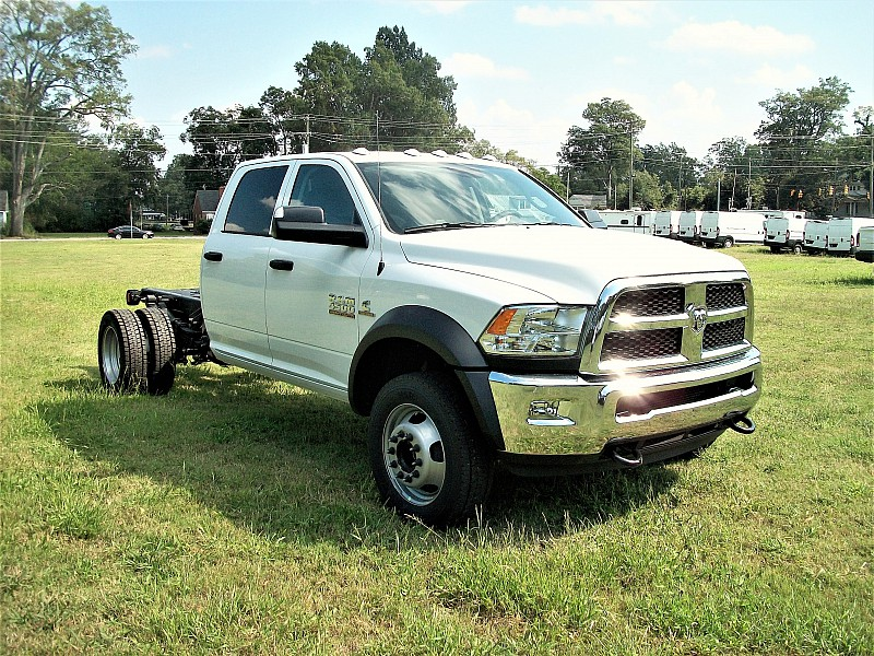 2018 Ram 4500 Regular Cab DRW 4x4, Cab Chassis #122535 - photo 15