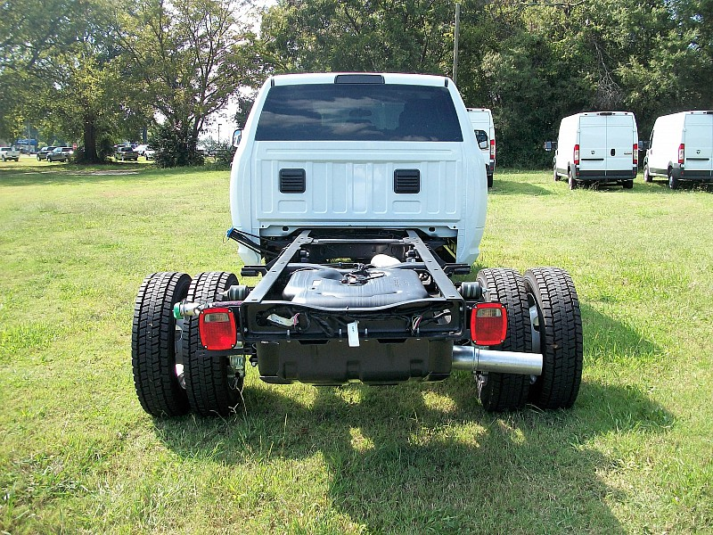 2018 Ram 4500 Regular Cab DRW 4x4, Cab Chassis #122535 - photo 8