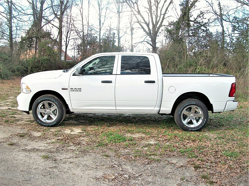 2018 Ram 1500 Crew Cab 4x4,  Pickup #123142 - photo 18