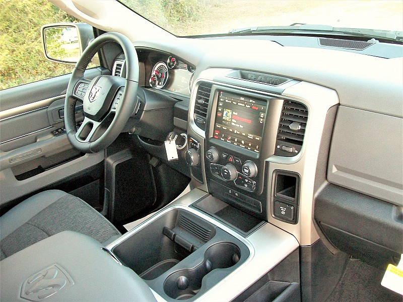 2018 Ram 1500 Crew Cab 4x2,  Pickup #123628 - photo 18