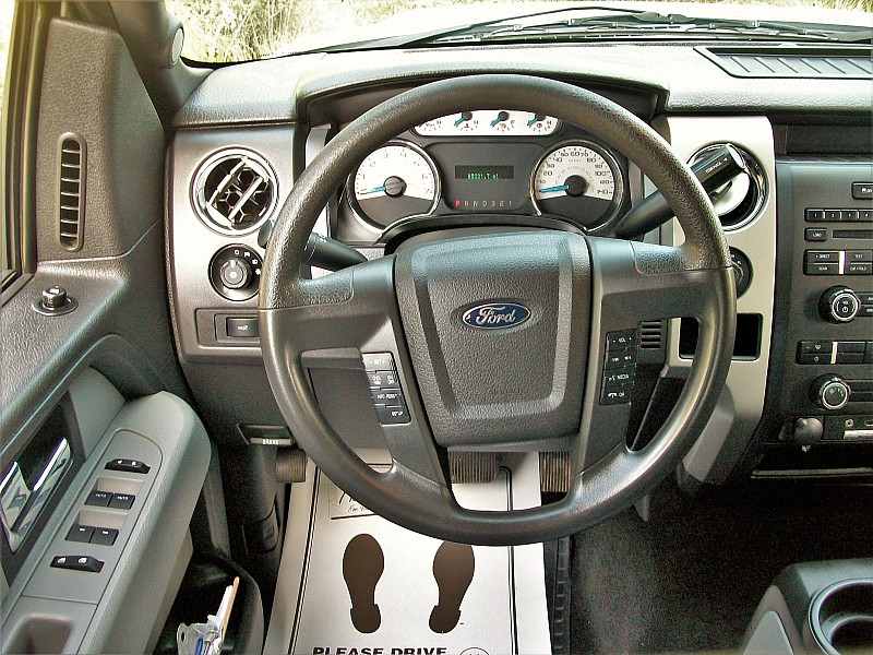 2014 F-150 SuperCrew Cab 4x4,  Pickup #13707 - photo 9