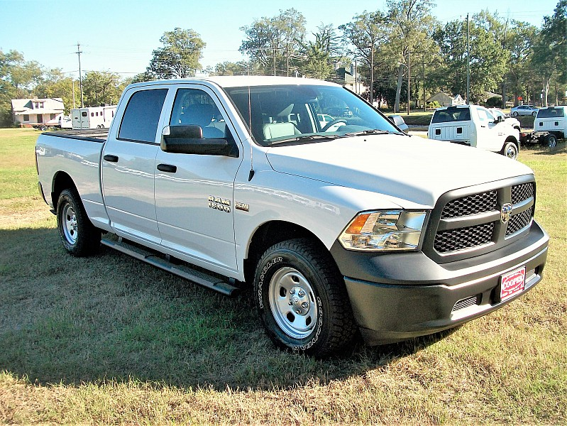 2018 Ram 1500 Crew Cab 4x4 Pickup #137411 - photo 20