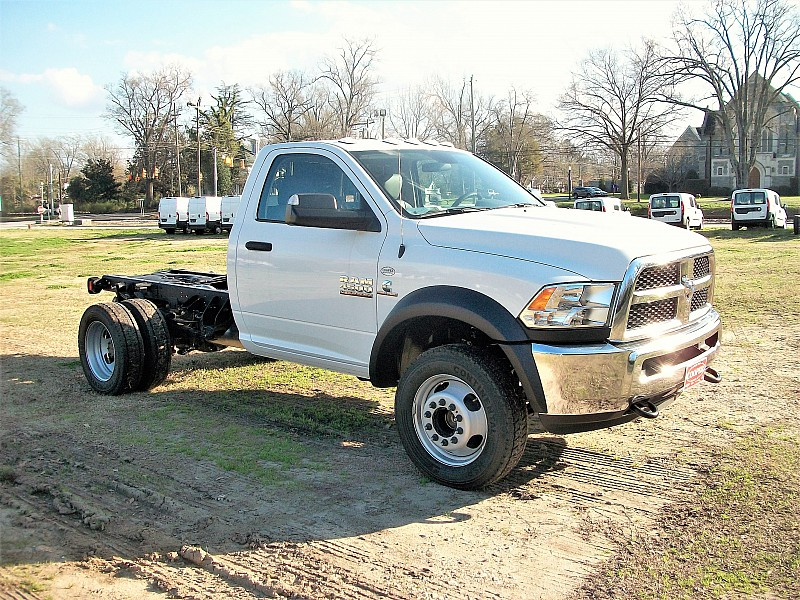 2018 Ram 4500 Regular Cab DRW 4x2,  Cab Chassis #164509 - photo 9