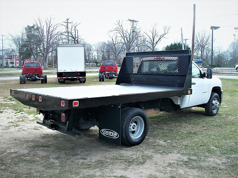 2012 Silverado 3500 Regular Cab, Platform Body #165216 - photo 5