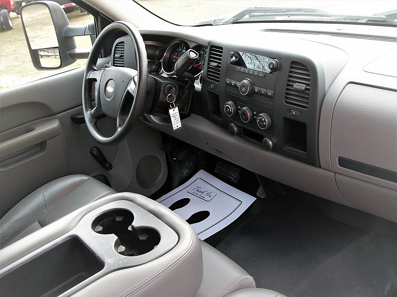 2012 Silverado 3500 Regular Cab, Platform Body #165216 - photo 8