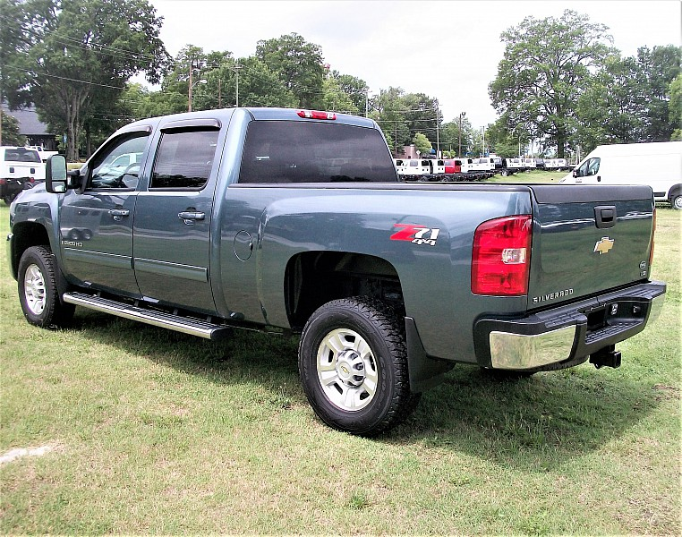 2009 Silverado 2500 Crew Cab 4x4, Pickup #171544 - photo 2