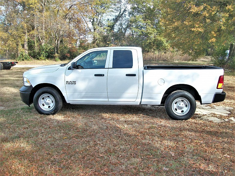 2018 Ram 1500 Quad Cab 4x4, Pickup #191389 - photo 18