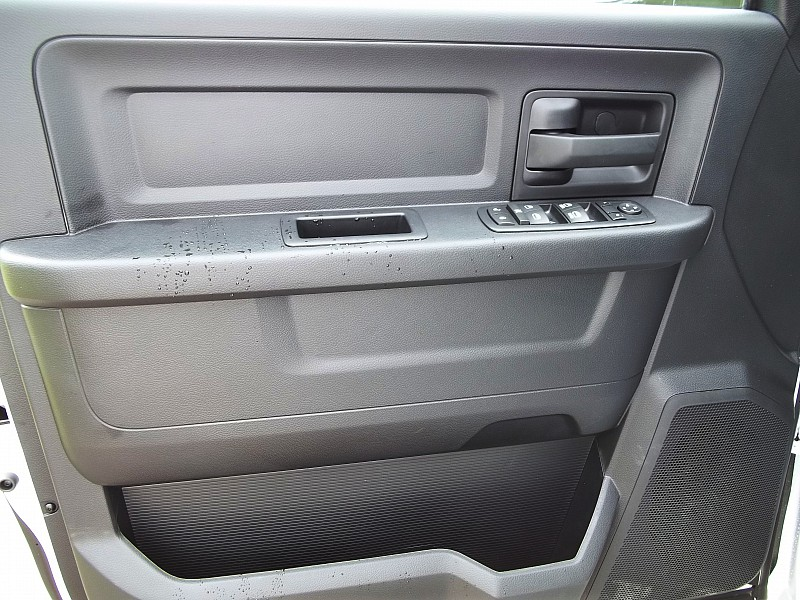 2016 Ram 3500 Crew Cab DRW, Service Body #210522 - photo 25