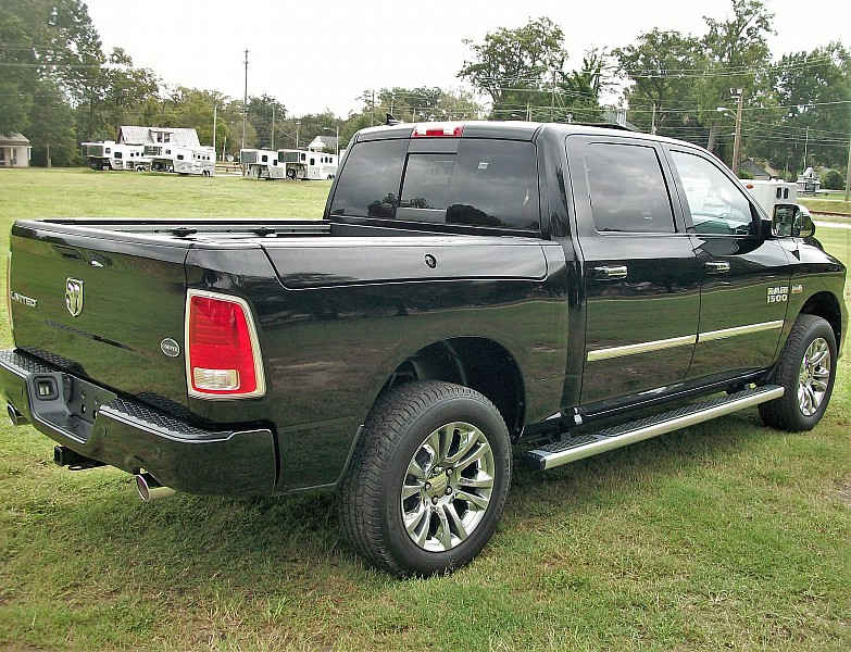 2014 Ram 1500 Crew Cab 4x2,  Pickup #211660 - photo 4