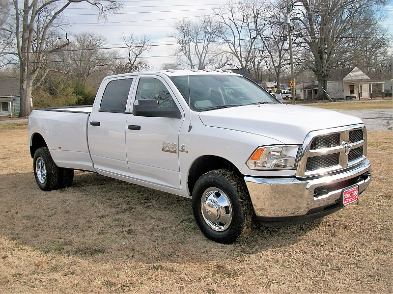 2018 Ram 3500 Crew Cab DRW 4x2,  Pickup #211685 - photo 18