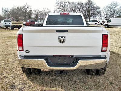 2018 Ram 3500 Crew Cab DRW 4x2,  Pickup #211685 - photo 9
