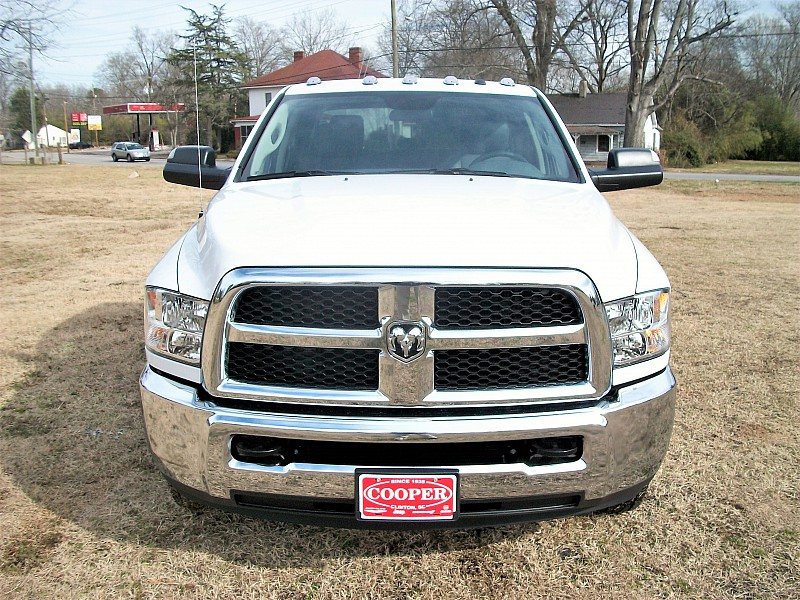 2018 Ram 3500 Crew Cab DRW, Pickup #211686 - photo 34