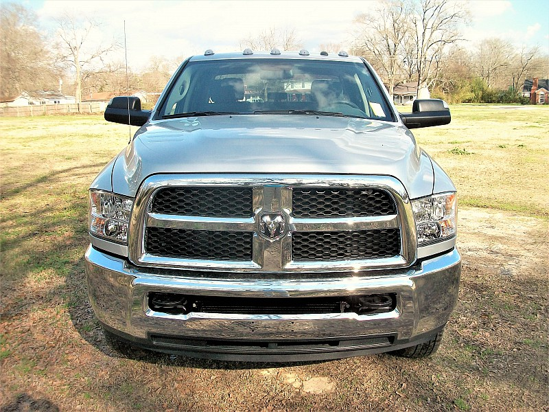 2018 Ram 3500 Crew Cab DRW 4x4, Pickup #212639 - photo 35