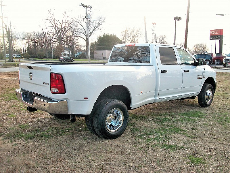 2018 Ram 3500 Crew Cab DRW 4x4, Pickup #220885 - photo 13