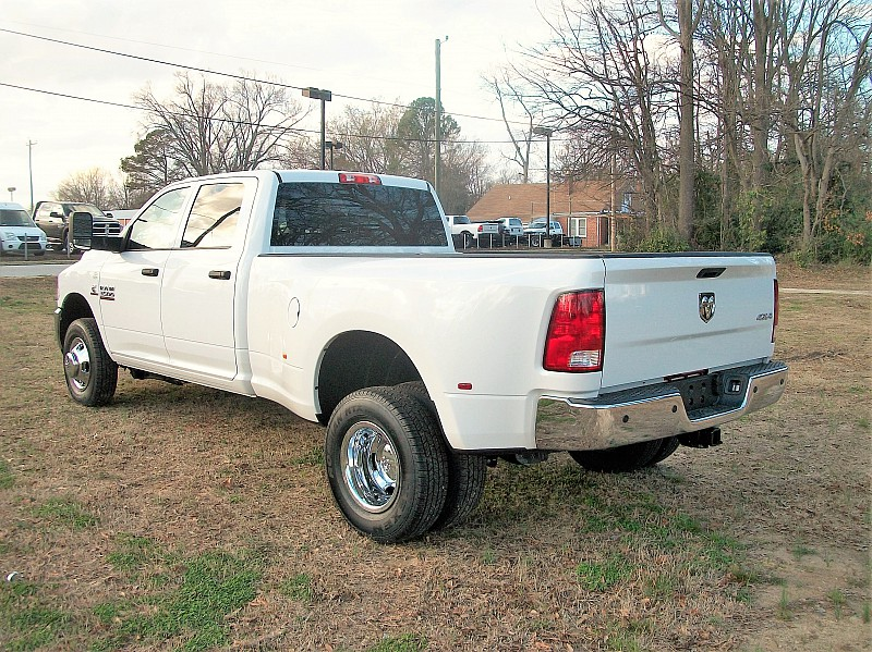 2018 Ram 3500 Crew Cab DRW 4x4, Pickup #220885 - photo 2