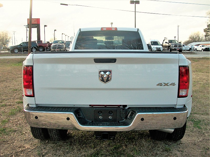 2018 Ram 3500 Crew Cab DRW 4x4, Pickup #220885 - photo 9