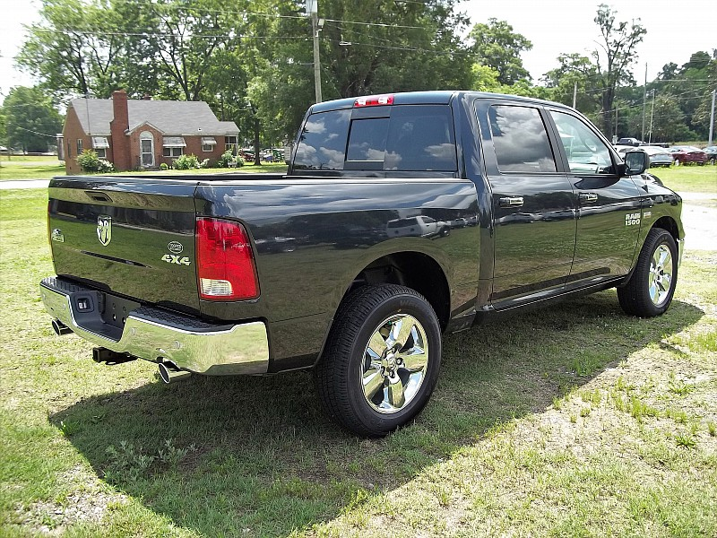 2016 Ram 1500 Crew Cab 4x4, Pickup #276256 - photo 13