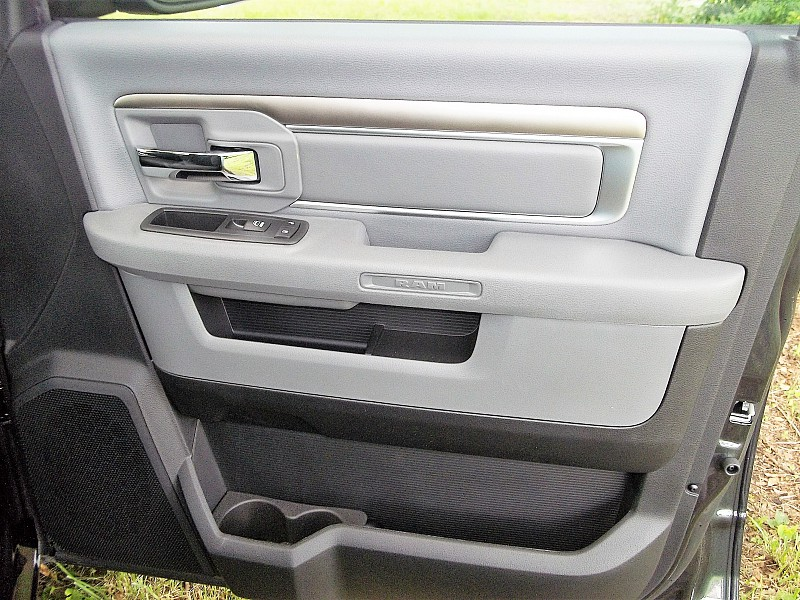 2016 Ram 1500 Crew Cab 4x4, Pickup #276256 - photo 19