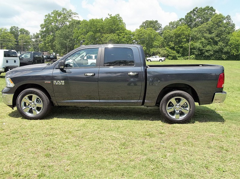 2016 Ram 1500 Crew Cab 4x4, Pickup #276256 - photo 21