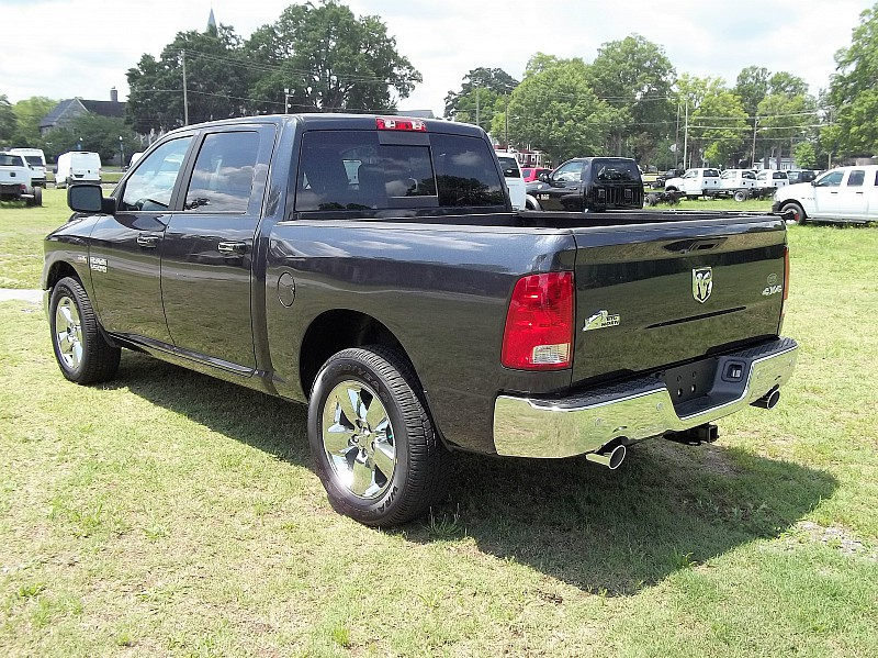 2016 Ram 1500 Crew Cab 4x4, Pickup #276256 - photo 2