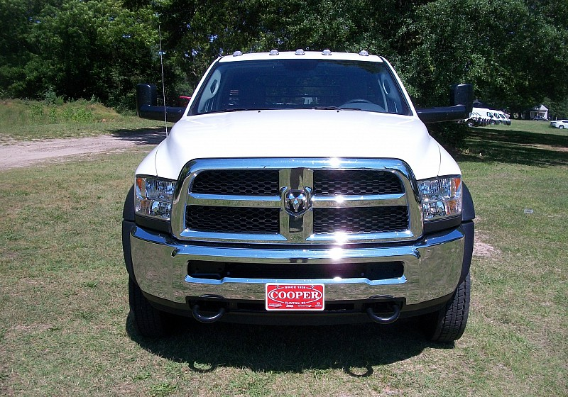 2016 Ram 5500 Regular Cab DRW 4x4, Platform Body #280526 - photo 34