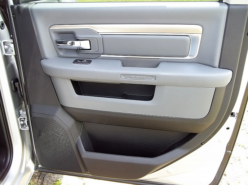 2016 Ram 1500 Crew Cab, Pickup #289528 - photo 19