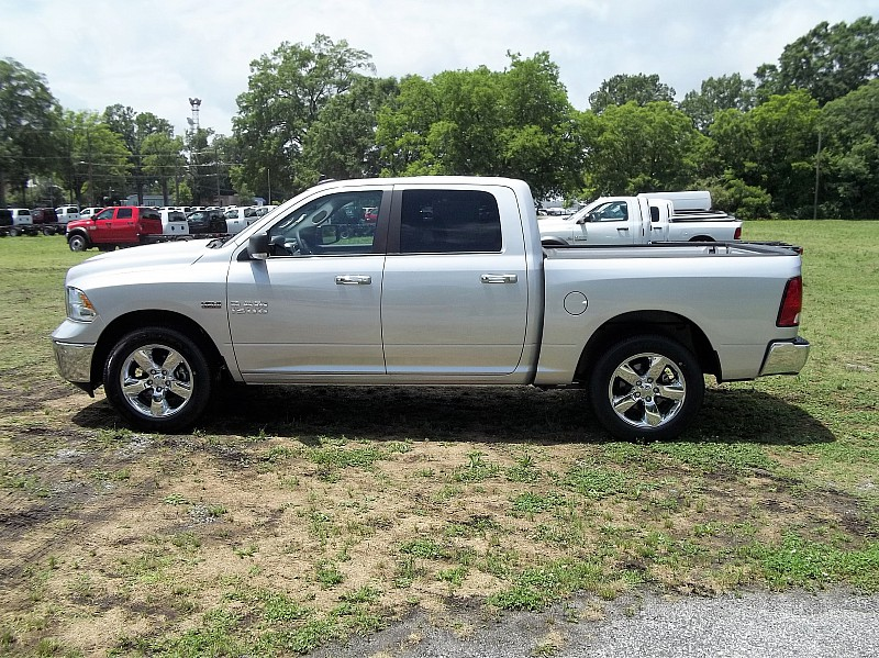 2016 Ram 1500 Crew Cab, Pickup #289528 - photo 3