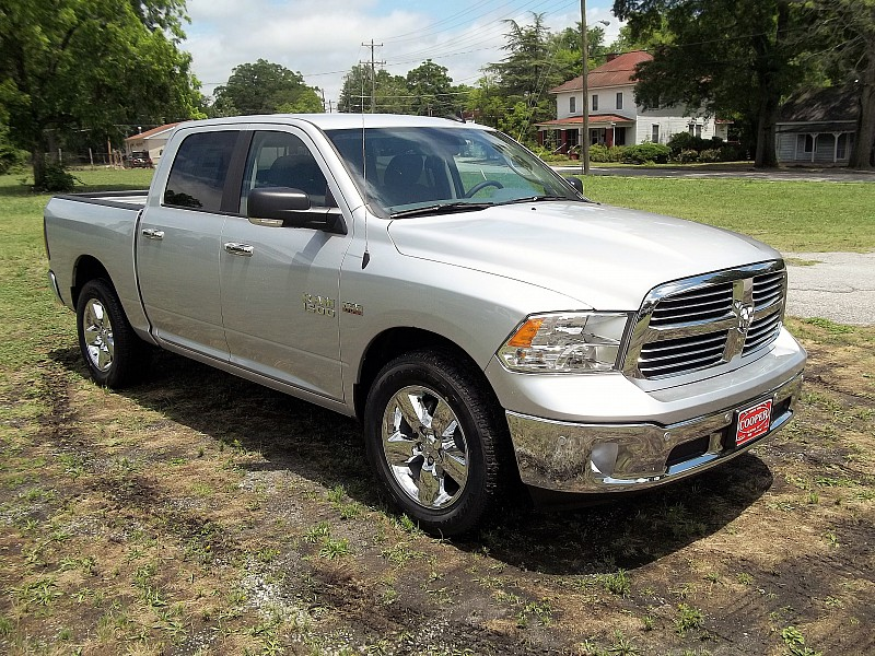 2016 Ram 1500 Crew Cab, Pickup #289528 - photo 8