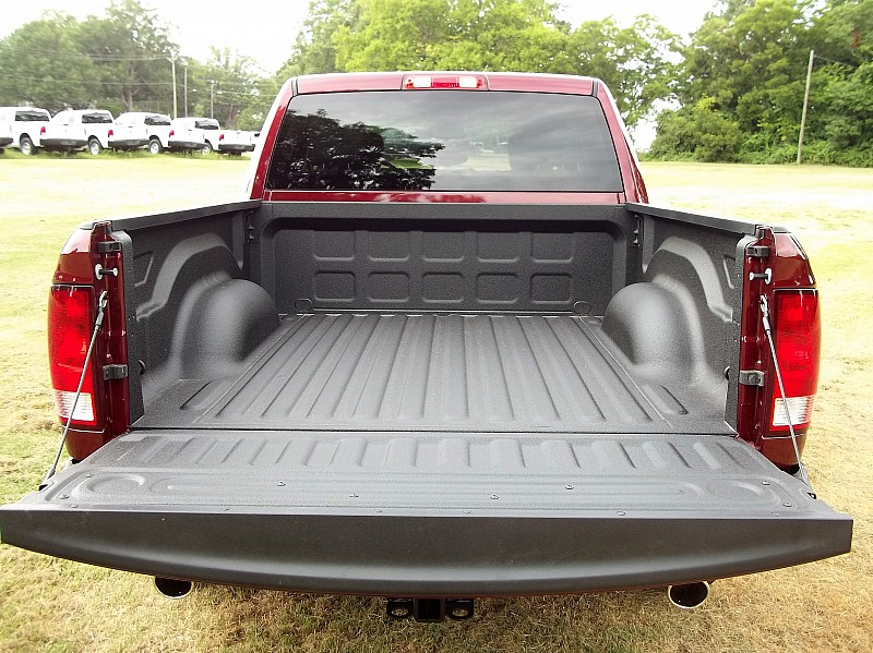 2016 Ram 1500 Crew Cab 4x4, Pickup #327023 - photo 10