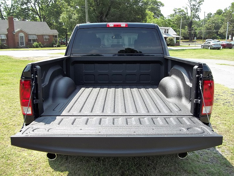 2016 Ram 1500 Crew Cab, Pickup #338646 - photo 10