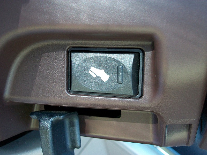 2014 Ram 1500 Crew Cab, Pickup #356401 - photo 30