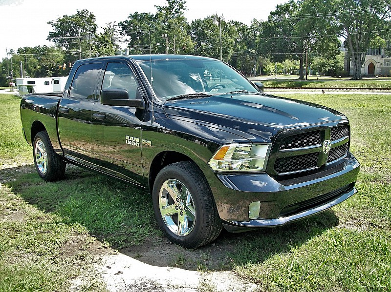 2014 Ram 1500 Crew Cab 4x2,  Pickup #456534 - photo 4