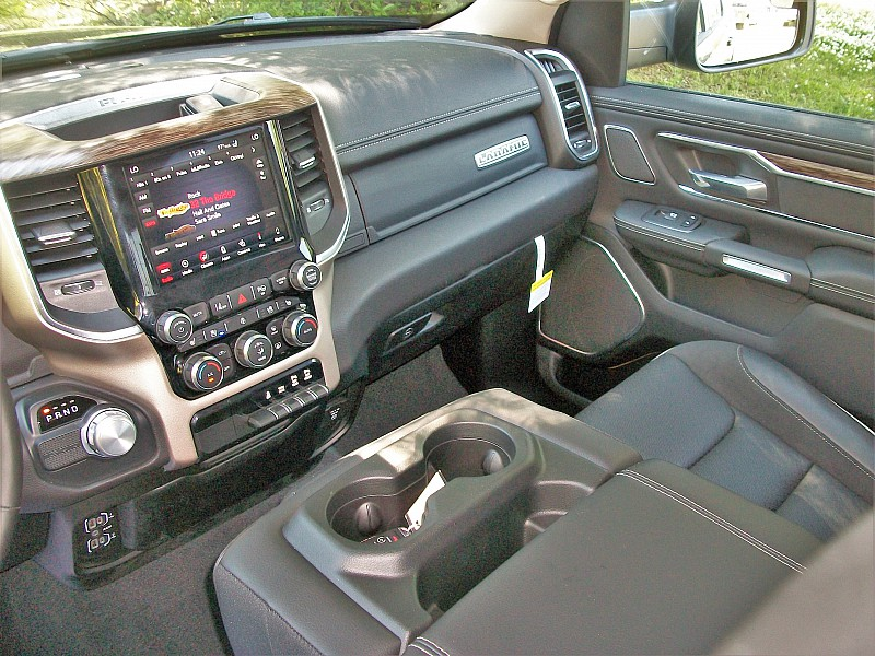 2019 Ram 1500 Crew Cab, Pickup #502661 - photo 36