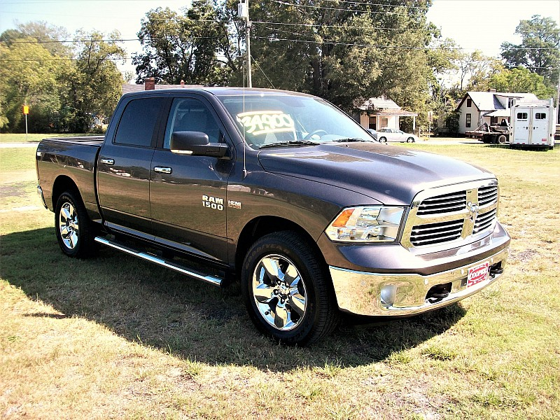 2015 Ram 1500 Crew Cab 4x4,  Pickup #509175 - photo 4