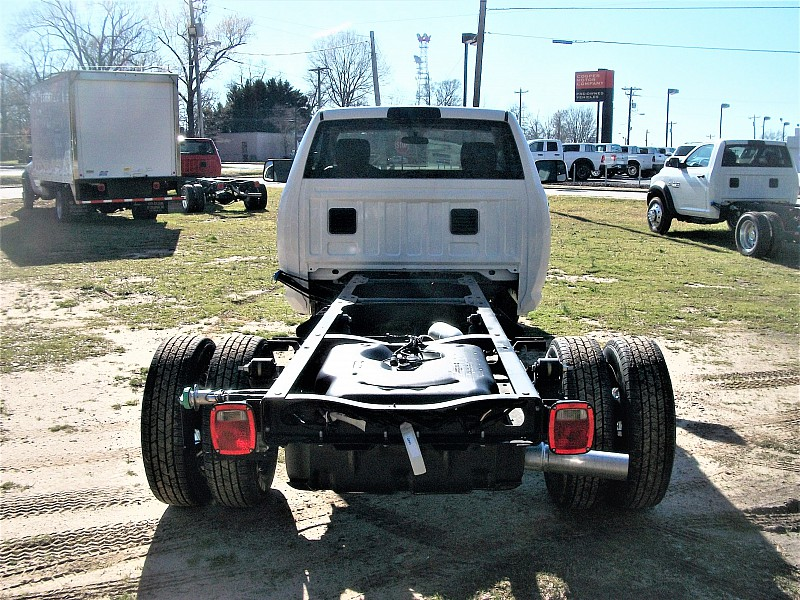 2017 Ram 3500 Regular Cab DRW, Cab Chassis #515064 - photo 5