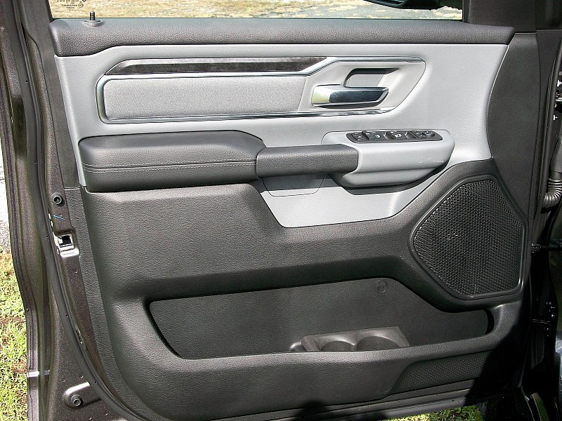 2019 Ram 1500 Crew Cab 4x2,  Pickup #531127 - photo 21