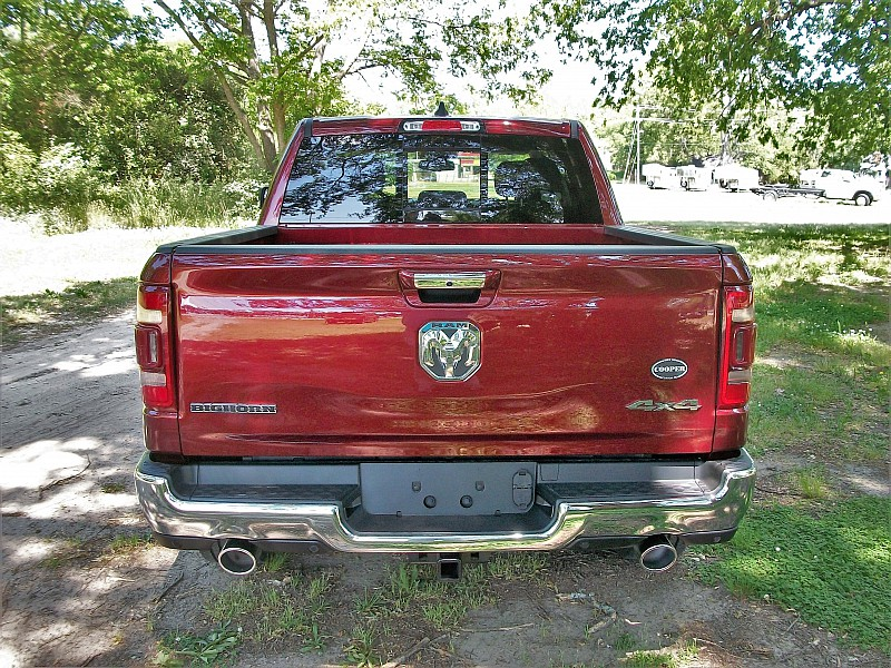 2019 Ram 1500 Crew Cab 4x4, Pickup #532321 - photo 8
