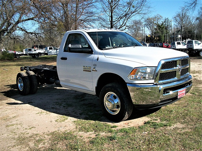 2017 Ram 3500 Regular Cab DRW, Cab Chassis #536321 - photo 10