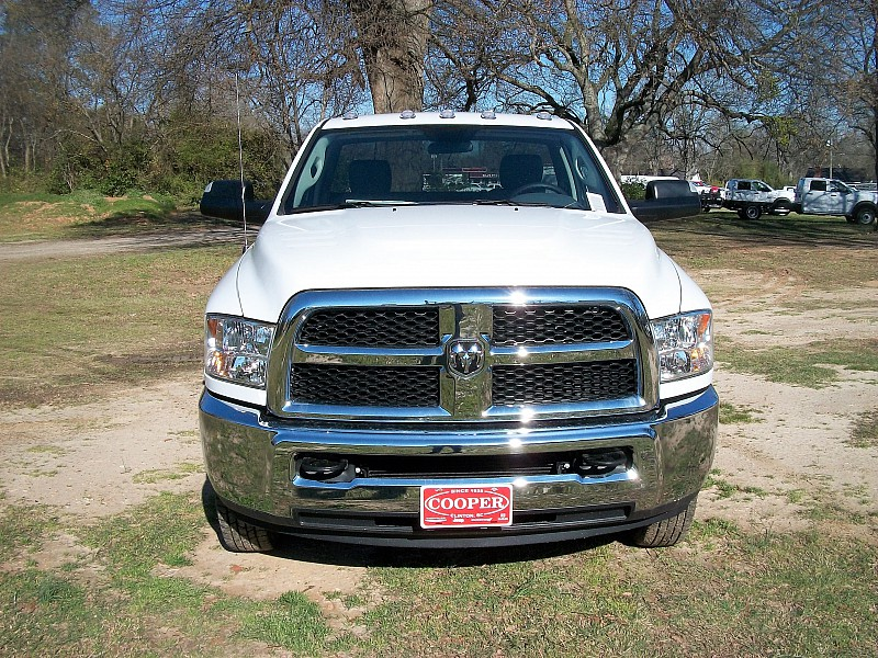 2017 Ram 3500 Regular Cab DRW, Cab Chassis #536321 - photo 24