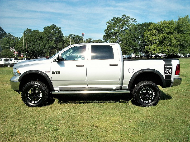 2017 Ram 1500 Crew Cab 4x4, Pickup #547341 - photo 36