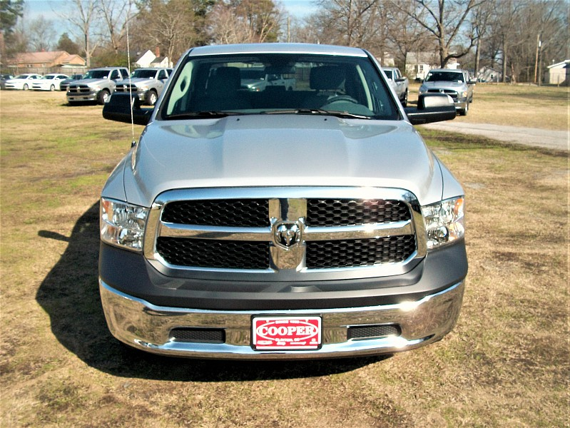2017 Ram 1500 Crew Cab 4x4 Pickup #547352 - photo 36