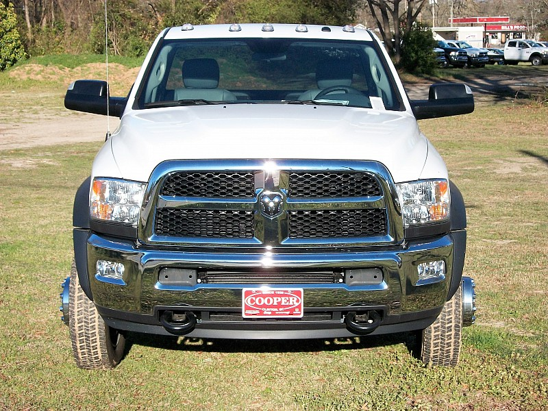 2017 Ram 5500 Regular Cab DRW 4x4, Cab Chassis #547911 - photo 22